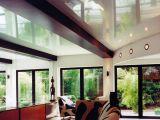 Преимущества использования натяжных потолков