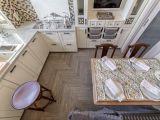 Дизайнеры «Квартирного вопроса» выбрали эксклюзивную плитку из коллекции William De Morgan от Johnson-tiles