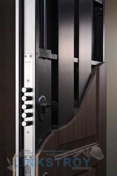 металлические двери в межквартирный холл в красногорске