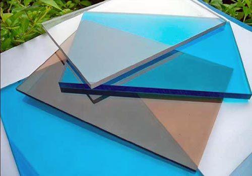 Характеристики и применение монолитного поликарбоната